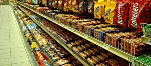 Supermercado, sección de chocolate