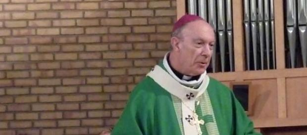 Mgr Léonard a été condamné à verser 10 000 euros.