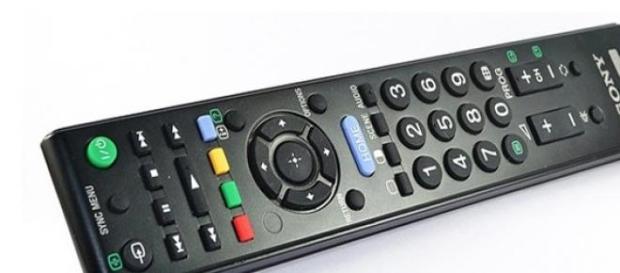 Programmi Tv Rai e Mediaset stasera 28 aprile 2015