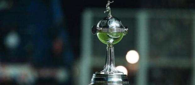 Taça da Libertadores: objeto de desejo dos clubes