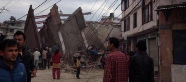 Terremoto in Nepal a Kathmandu: 449 morti