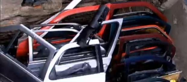 Várias peças de automóveis apreendidas