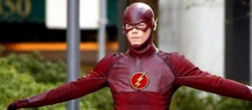 Barry Allen è il supereroe mascherato Flash