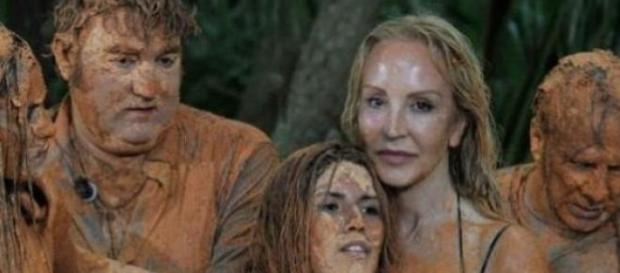 "Carmen Lomana decide seguir en ""Supervivientes"""