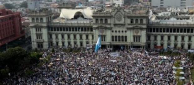 Des miliers de manifestants ont dit leur opinion.