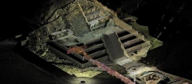 Descoperire in piramida Teotihuacan