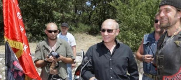 Motociclistas têm ligação ao Presidente Putin.