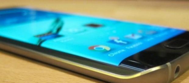 Samsung triunfa con el Galaxy S6 Edge.