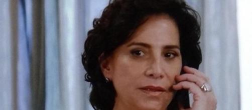 Adriana é demitida de hospital