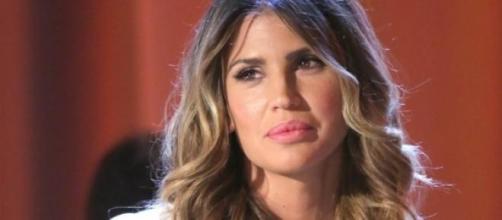 Claudia Galanti commossa in tv da Costanzo.