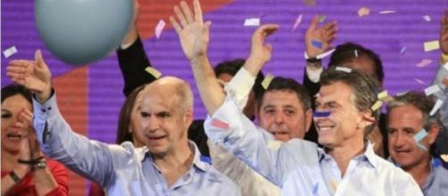 Larreta (izquierda) festejando junto a Macri