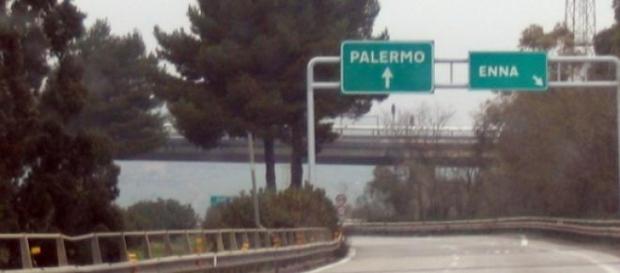 Catania-Palermo nuovi treni: appello a Mattarella.