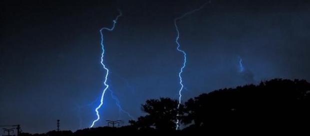 foto de una fortísima tormenta