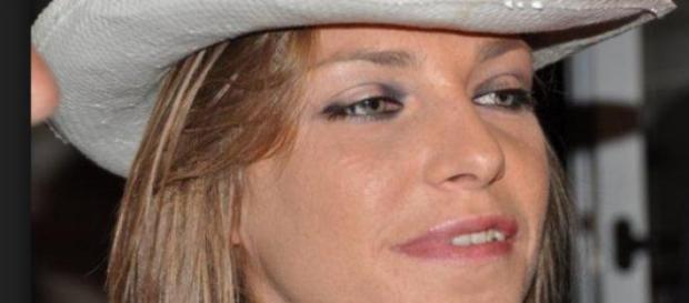 Loredana Errore torna a cantare dopo l'incidente.
