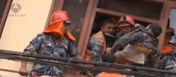 Tareas de rescate en Nepal tras el terremoto