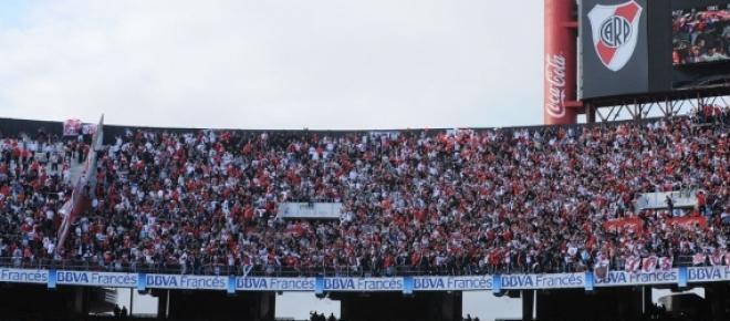 Los hinchas de River tiene pensado armar una gran fiesta en las tribunas de su estadio cuando reciban a Boca el 7 de mayo por el partido de ida de los ocatovs de final de la Copa Libertadores.