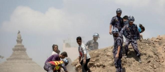 Resgate das vítimas no Nepal