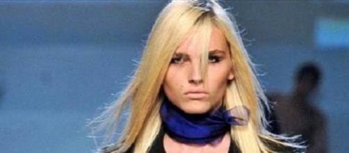 """Andrea Pejic é a cara da marca """"Make Up For Ever"""""""