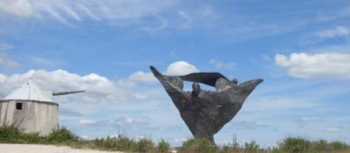 Estátua do anjo junto à cidade de Fátima.
