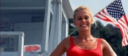 Nicole Eggert, na série 'Marés Vivas'