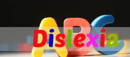 UFMG abre curso sobre dislexia