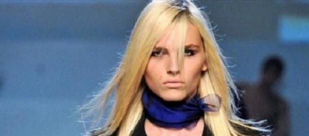 "Andrea Pejic é a cara da marca ""Make Up For Ever"""