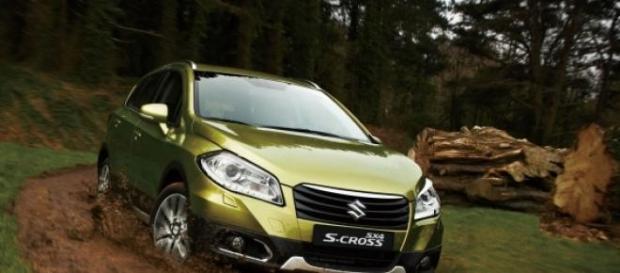 Com 4,30 m, o Suzuki é 1 cm maior que o HR-V
