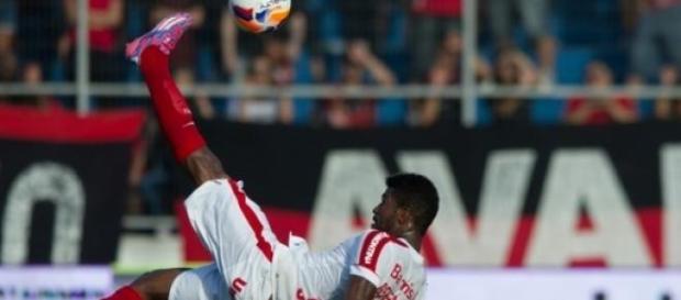 Geferson quer tomar conta da lateral do Inter