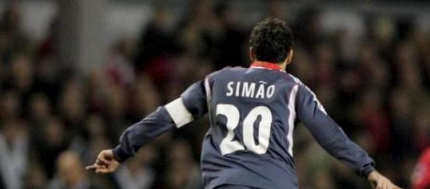 Simão marcou em Liverpool um dos melhores golos