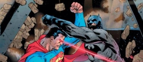 Batman enfrenta a Superman