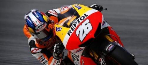 Daniel Pedrosa impegnato sulla sua Honda HRC