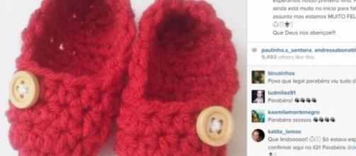 Deborah Secco posta foto de sapatinhos.