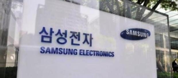 Samsung lider mondial al vânzărilor de telefoane