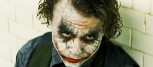 "Heath Ledger como Joker en ""El caballero oscuro"""