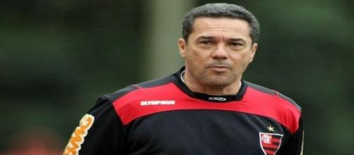técnico do Flamengo fora do FLA-FLU