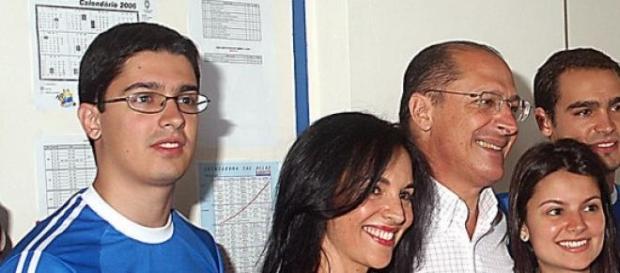 A vítima do acidente, Thomaz Alckmin, à esquerda.