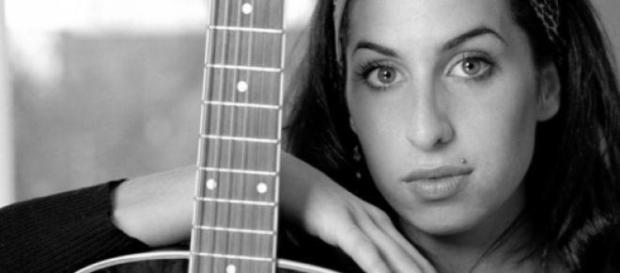 Amy Winehouse, cantante y compositora británica