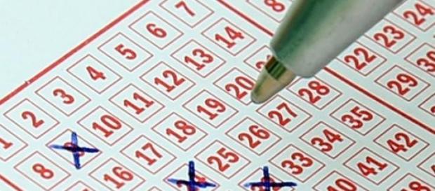 Estrazione SuperEnalotto e Lotto 4 aprile 2015