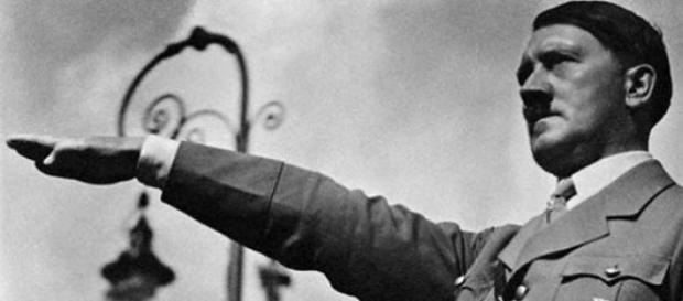 Adolf Hitler condujo a Alemania al desastre total