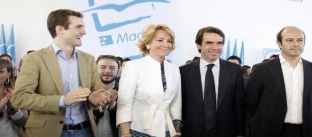 Esperanza Aguirre con Casado, Aznar y otros.
