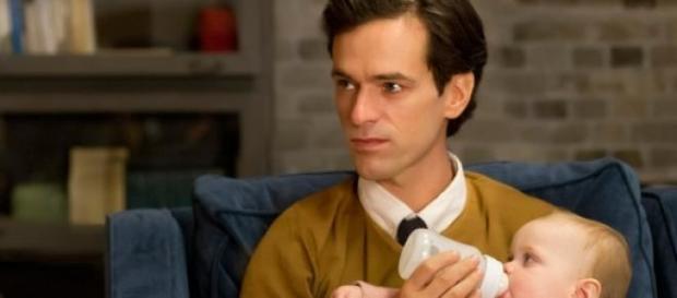 O ator Roman Duris, que vive David e Virginia