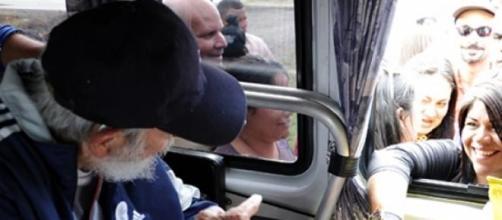 Fidel Castro reaparece em Cuba.