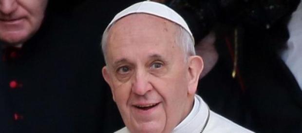 Le Pape demande plus de soutien aux persécutés.