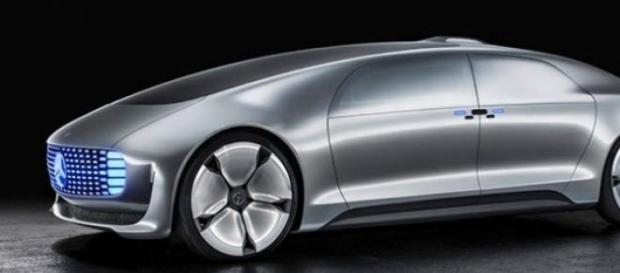 Mercedes-Benz F 015 Luxury, demn de filmele SF
