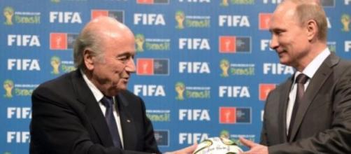De nueva cuenta Blatter en la polémica