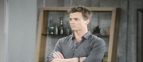 Wyatt Fuller seduce Nicole
