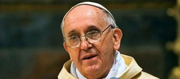 Papa pede paz mundial em discurso