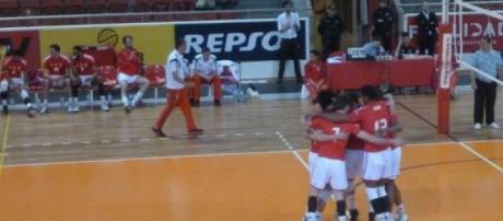 Benfica unido na busca de um triunfo histórico
