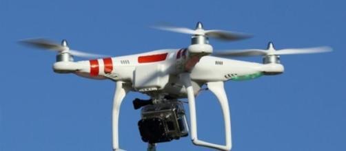 La drogue est apportée aux prisons par drones.