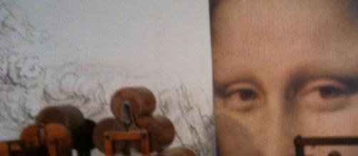 A Mona Lisa observa tudo há quase 500 anos